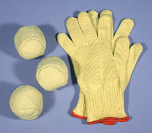 Freaks Unlimited Fire Juggling Balls w. kevlar gloves
